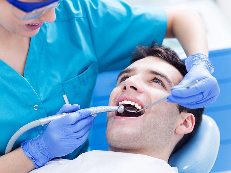 удаление зуба в клинике